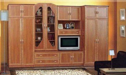 A Horizont Bútor Magyarországi jelenléte több mint 20 éves múltra tekint vissza. 1997-ben nyitották meg első bútorboltjukat ahol csak és kizárólag minőségi bútorokat vásárolhatunk. Figyelembe véve a magyar viszonyokat, az ár is fontos tényező, de a minőség mindenképpen nagy jelentőséggel bír.